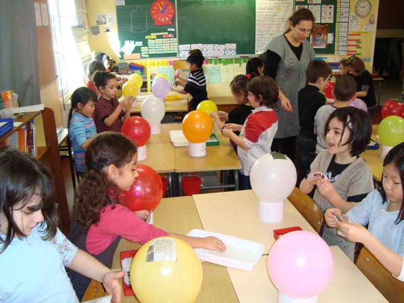 Ecole l mentaire george sand amboise nous fabriquons une montgolfi re 1 - Montgolfiere en papier ...