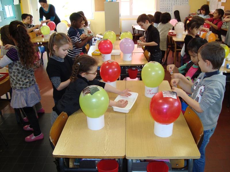 Ecole l mentaire george sand amboise la montgolfi re - Montgolfiere en papier ...